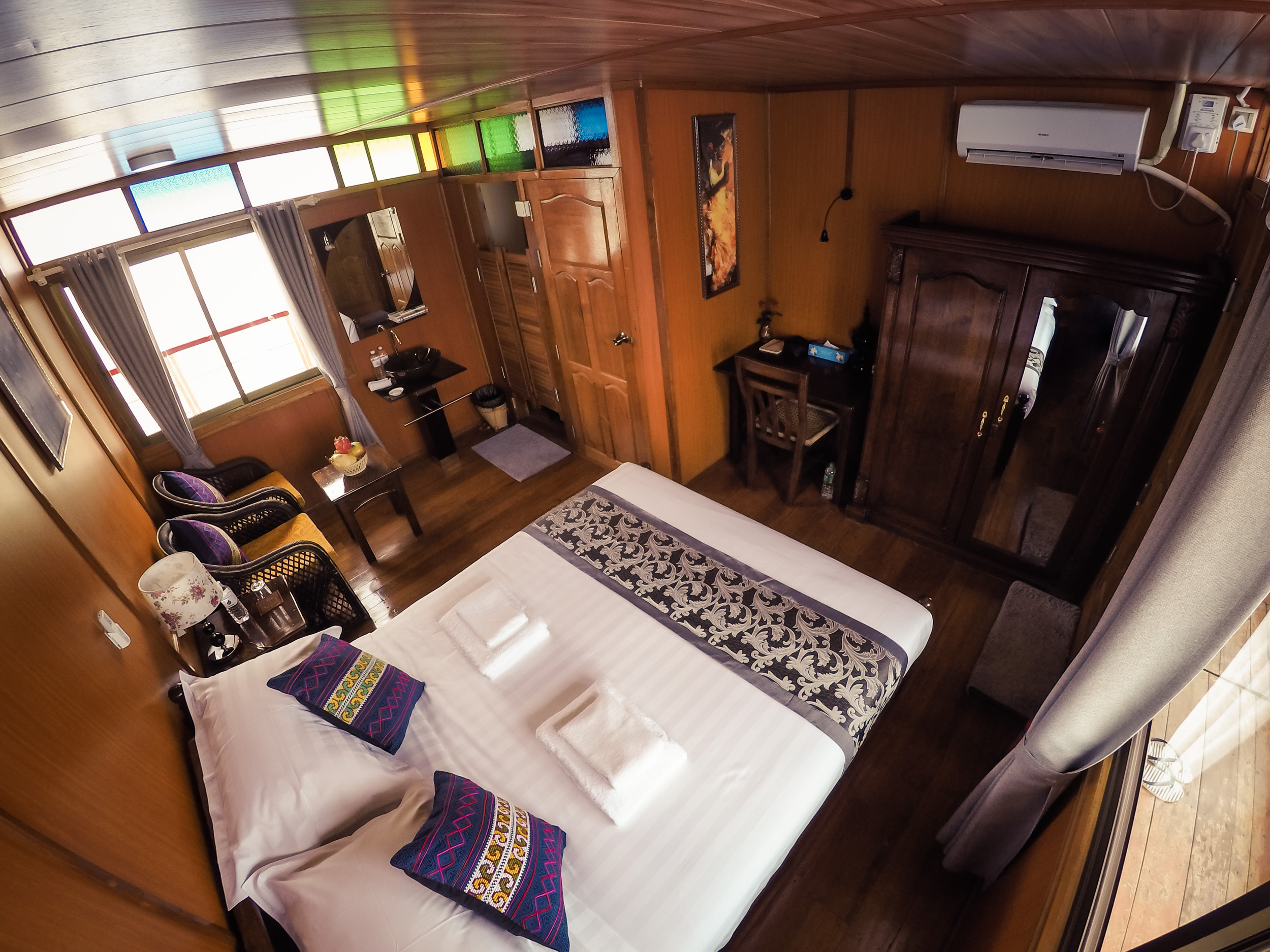 Deluxe River cruise room of Metta River Cruises of Myanmar
